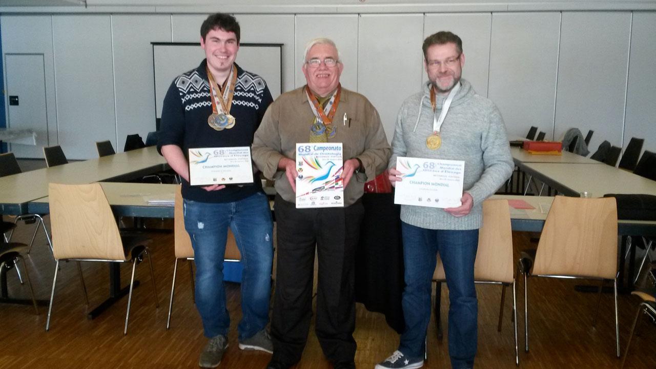 Les Médaillés du Mondial de Matosinhos exposent leurs diplômes